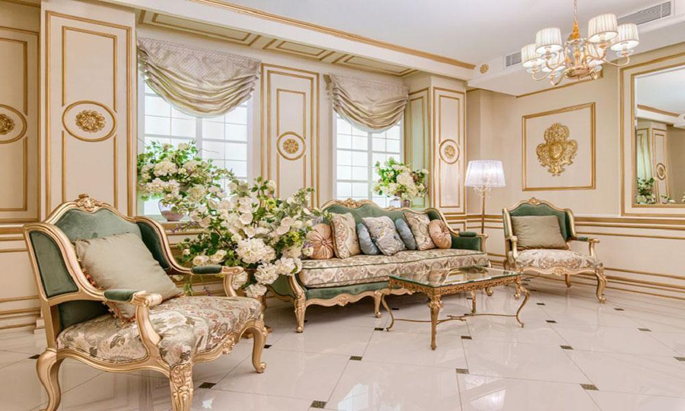 Thiết kế phòng khách với tone màu vàng sang trọng