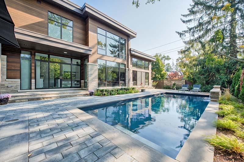 Thiết kế hồ bơi biệt thự mini 2 tầng