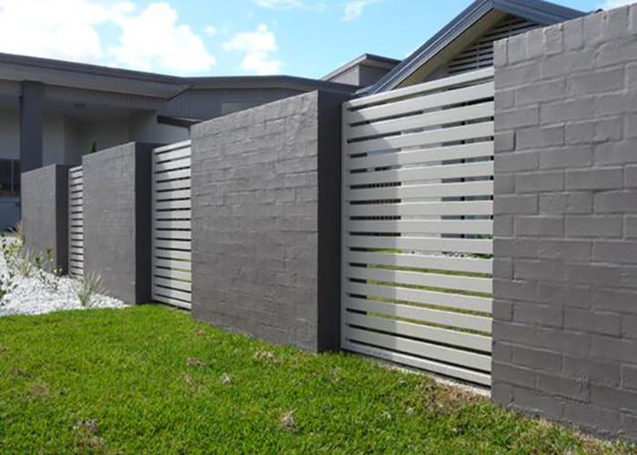 Hàng rào gạch kết hợp kim loại