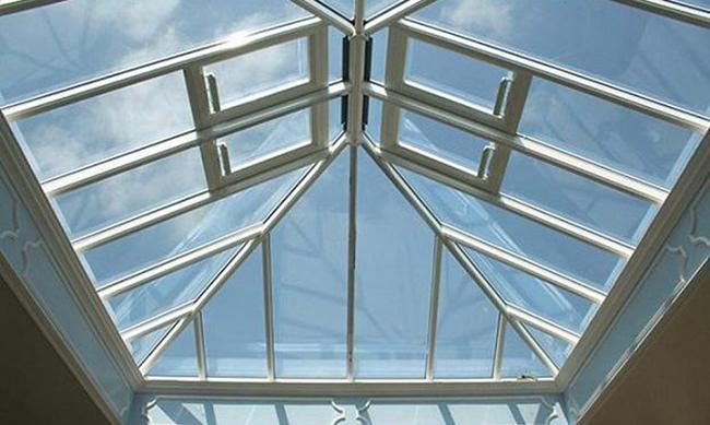 Thiết kế mái che giếng trời